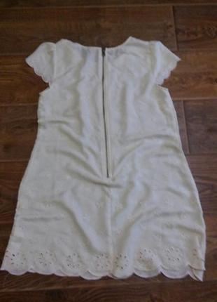 Платье свободного кроя с отделкой2