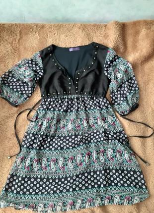 Фирменное шифоновое платье stradivarius