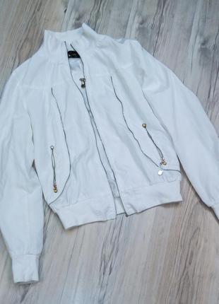 Белая курточка куртка ветровка бомбер женская