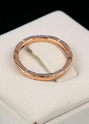Нежное кольцо со стразами размеры в наличии: 15 и 16
