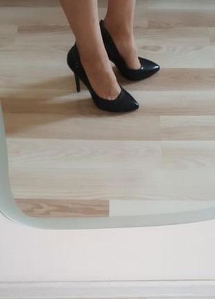 Туфлі-лодочки l.carvari1