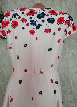 Красивое и нарядное платье4
