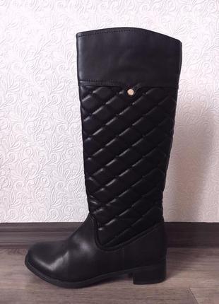 Высокие,чёрные,стёганые сапоги в стиле chanel5