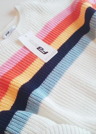 Свитер с разноцветными полосами4