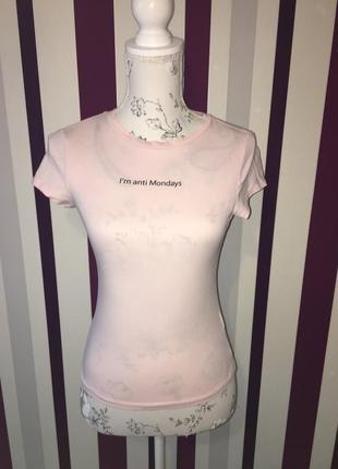 Нежная зефирная футболка с надписью топ divided xxs xs s3