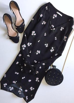 Актуальное вискозное платье в цветочный принт с рюшками на рукавах