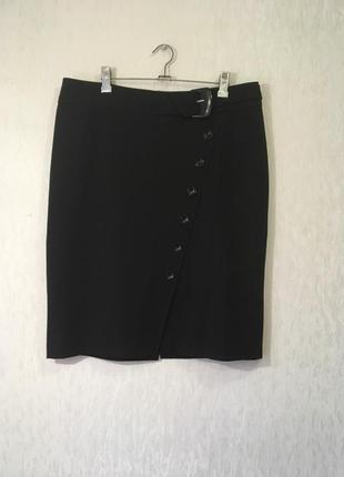 Офисная черная юбка зауженная к низу на подкладе