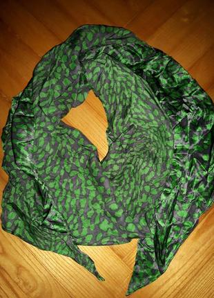 Яркий трендовый шарф в принт!1