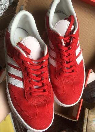 Яркие красные белые кросовки кеды адидас adidas samba5