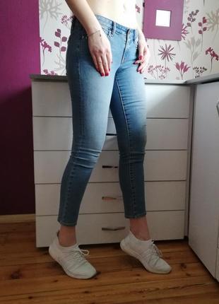 Gap светло синие голубые джинсы с заклёпками2