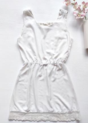 Платье с открытой спиной и гипюром2
