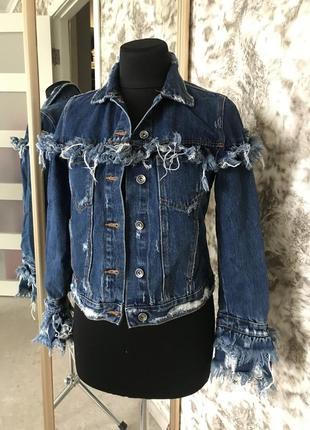 Укорочённая джинсовая курточка zara1