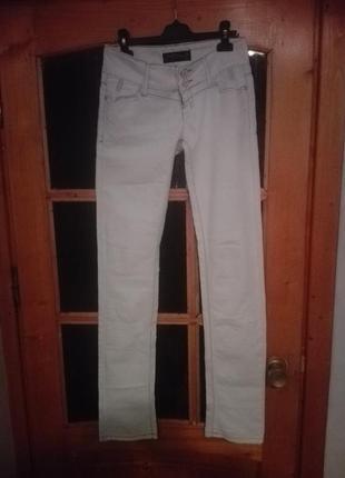 Белые джинсы1
