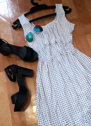 Романтична сукня-тюльпанчик в горошок10 фото