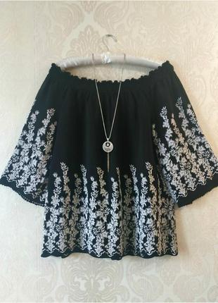 Шикарная блуза со спущенными плечами1