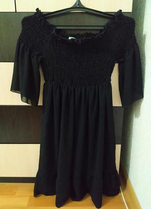 Итальянское шифоновое платье на плечи.