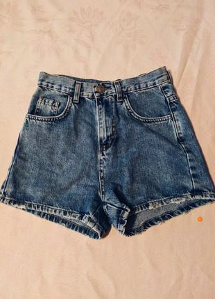 Джинсы шорты с высокой талией. новые