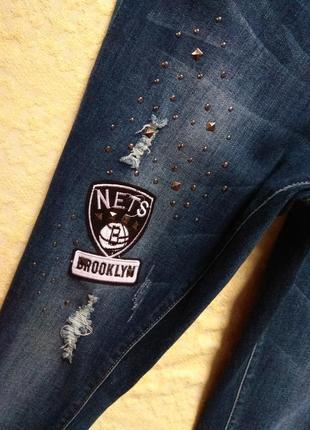 Крутые джинсы скинни с нашивками и высокой талией chicoree, 40 размер.7