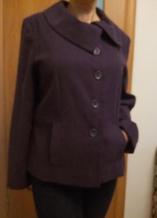 Классное легкое пальтишко с карманами. размер 18.4