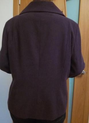 Классное легкое пальтишко с карманами. размер 18.3
