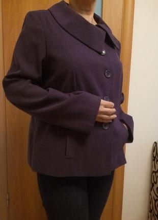 Классное легкое пальтишко с карманами. размер 18.1