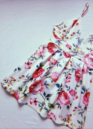 Нереально красивое платье в цветах1