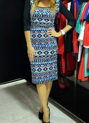 Продам платье в геометрический орнамент / принт