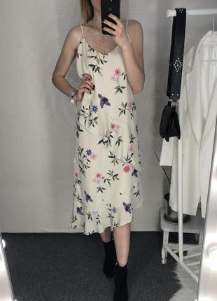 Платье в бельевом стиле в цветы с воланами marks&spencer1