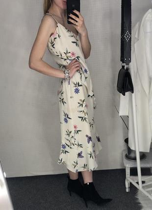 Платье в бельевом стиле в цветы с воланами marks&spencer2