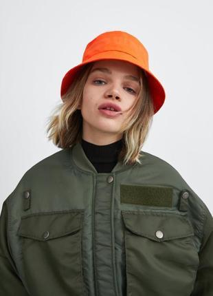 Укорочённый бомбер хаки zara куртка, размер s-m3 фото