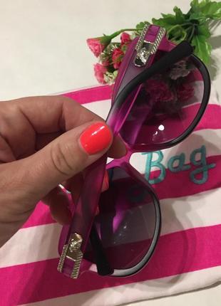 Солнцезащитные очки с розовым ободком2