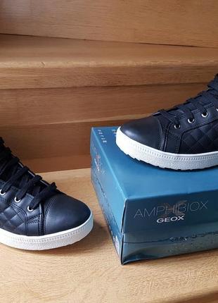 Оригинальные женские кроссовки  geox