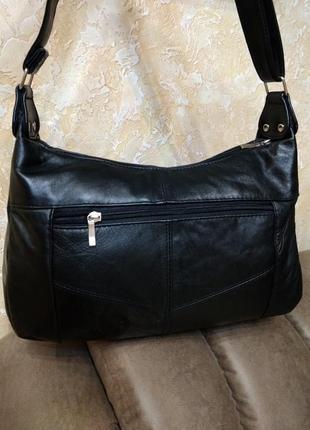 Вместительная кожаная сумка на плечо2