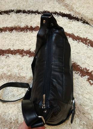 Вместительная кожаная сумка на плечо4