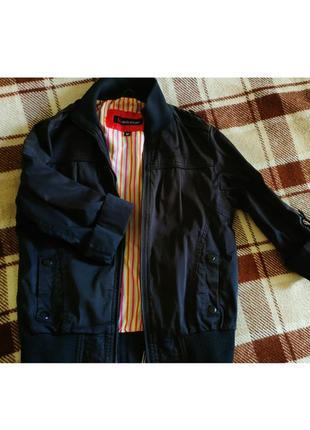 Весенняя курточка с короткими рукавами1