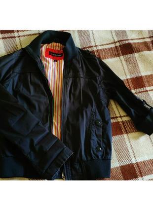 Весенняя курточка с короткими рукавами3