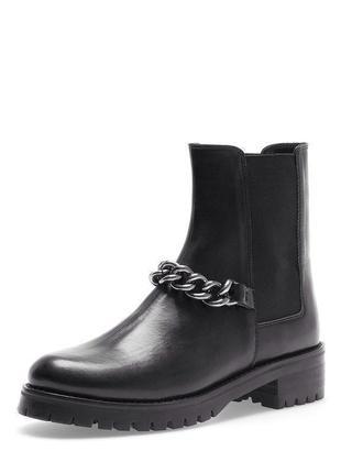 Стильные ботинки с цепочкой stradivarius1