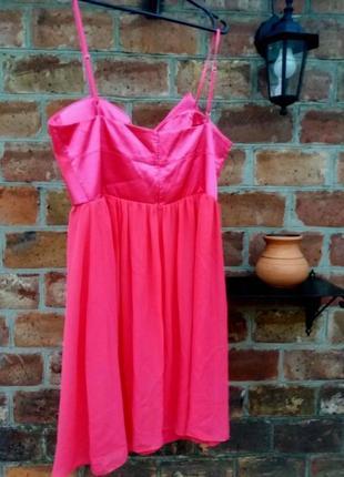 Розовое нарядное коктейльное платье из воздушной ткани4