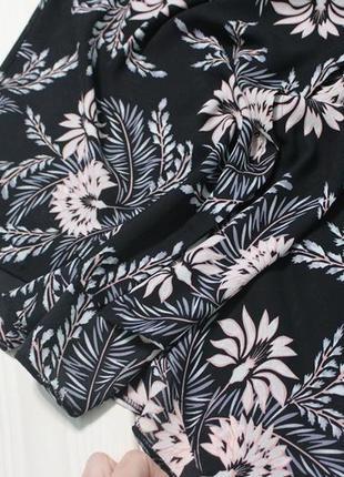 Шикарная блуза в цветочный принт.8