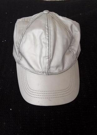 Супер стильная серебристая блестящая кепка accessorise!!!2