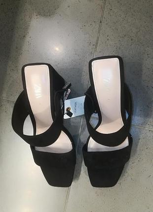 Кожаные босоножки на каблуке4