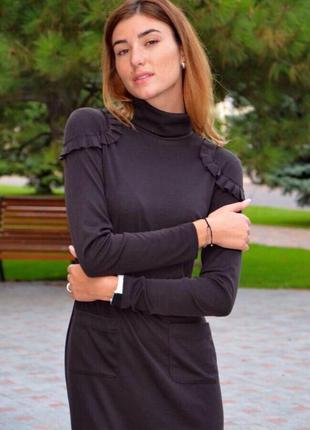 Стильное трикотажное платье oddi1