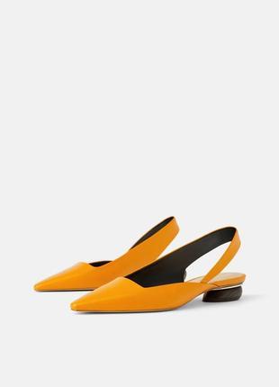 Кожаные туфли босоножки zara с ремешком2
