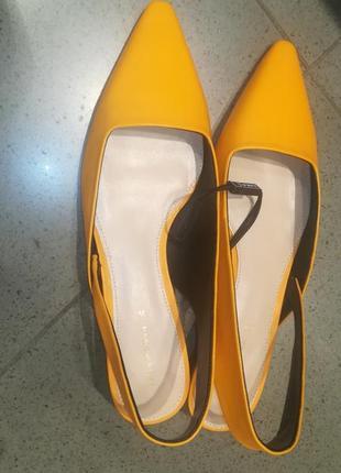 Кожаные туфли босоножки zara с ремешком4