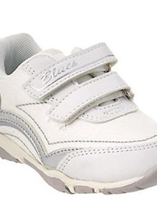 Модные кроссовки chicco на малышку