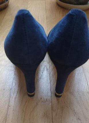 Туфлі із натуральної замші.2