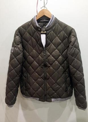Продам новую курточку бомпер цвета хаки1