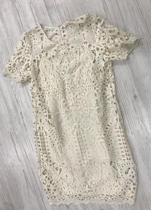 Кружевное платье футляр1