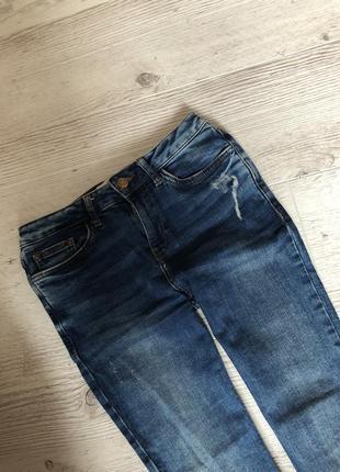 Обалденные штаны джинсы 👖 скинни необработанный край с вышивкой рваные10