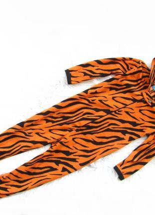 Качественный и стильный человечек  комбинезон пижама с капюшоном и ушками  primark